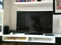 "40"" Sony LCD TV. Model KDL-40EX723"