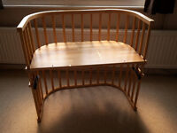 Baby bay cosleeper with mattress and side padding