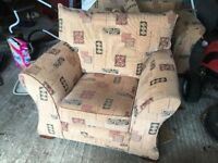 Large 3, 1, 1 suite - sofa and two arm chairs in excellent condition