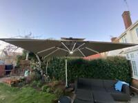 Luxury 3M x 3M Garden Cantilever Parasol / Umbrella with LED lighting