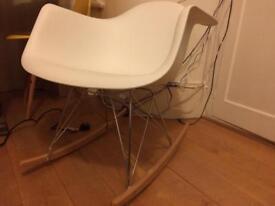 Rocking chair Eames replica