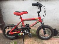 """Triumph Scallywag Boys Bike - 12"""""""