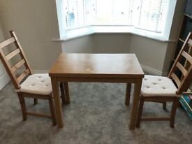 Small Extending table x 2 chairs