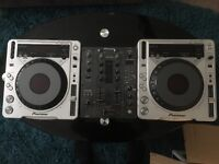 2x CDJ800mk2 & DJM400 mixer