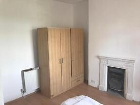 Large 5 Bedroom House In Child's Hill/Golders Green - Available For Sharers/Students!