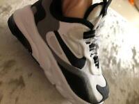 Nike 270 trainers