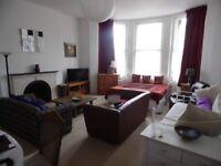 All Bills Included - Very Large Studio Flat Close to Churchill Sq Brighton SLEEPS 6!