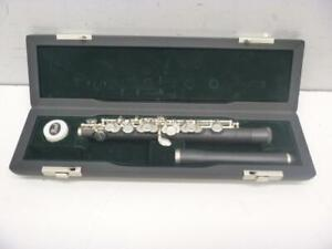 Pearl Piccolo Flute - We Buy And Sell Used Musical Instruments at Cash Pawn! 117983 - AL49409