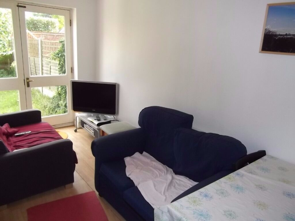 @ Large & well maintained 3 bedroom House - Canary Wharf/Greenwich/Isle of Dogs - private garden!