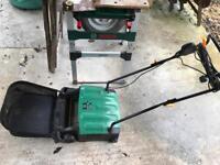 Electric garden scarifier