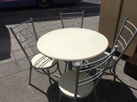 DINING TABLE IN WHITE WOOD & 4 CHAIRS FREE DELIVERY LOCAL