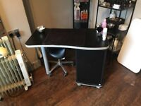 Nail Chair Desk Rent out to Nail Technician