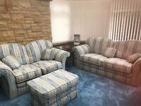 2 sofas+footstool