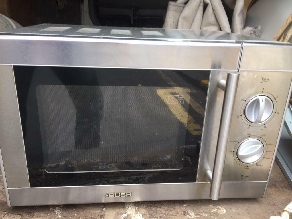 800w microwavein Corstorphine, EdinburghGumtree - 800w microwave Excellent clean condition Collection or delivery for a fee Txt only plz