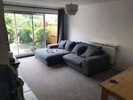 2 bedroom flat with garden