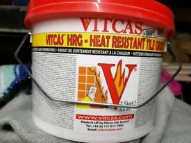 Heat resistant tile grout