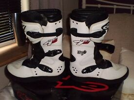 Alpinestars Tech4s Motocross boots