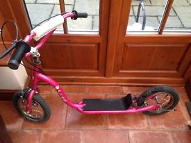 Pink girls scooter suitable for child 5- 10 years
