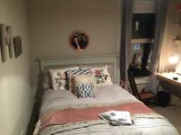 2 Big king size room. Bromley Common