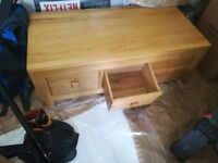 Oak coffee/side table