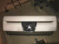Peugeot Expert 2004 front grill.