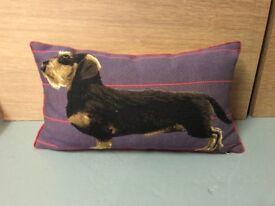 x1 sausage dog cushion