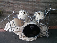 5 x Piece Drum Kit with Hardware - No Cymbals