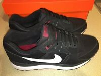 LIKE NEW Nike Air Windrunner Trainers. Black/White/Red. Size UK 7