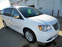 2015 Chrysler Town & Country LIMITED LEATHER / NAV / SAFETY-TEC