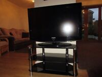 """SAMSUNG 37"""" LCD TV WITH GLASS STAND"""