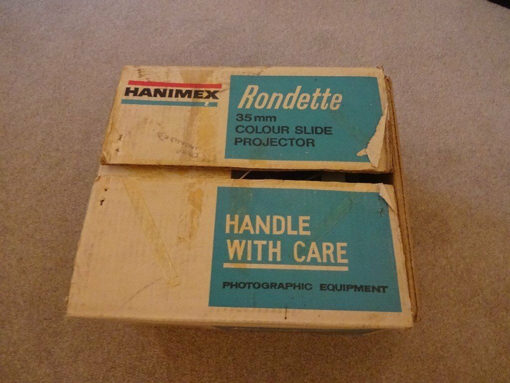 HANIMEX RONDETTE SLIDE PROJECTOR AND CARTRIDGES