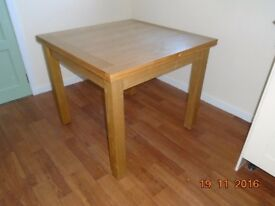 Oak Dining Table, Extending Pls note amended mobile number