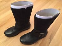 Ladies size 4 Fitflop biker boots.