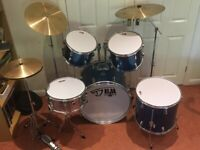 Drum Kit (5 piece) with Pearl Crash, Ride and Hi-hat