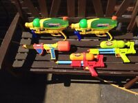 Super soaker water pistols (X5)