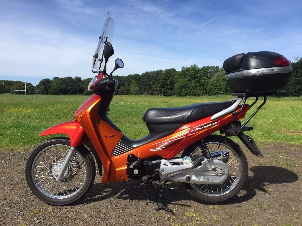 honda anf 125 7 semi automatic motorcycle scooter moped red in excellent condition only 5444. Black Bedroom Furniture Sets. Home Design Ideas