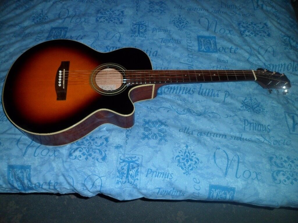 TAKAMINE EG 260C BSB. ELECTRO ACOUSTIC.