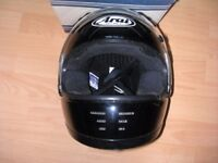 Arai Rapide full face black racing helmet, size M.