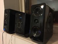 LG Micro HiFi system, iPod docking, 160W, Extra Bass, Radio, USB, CD