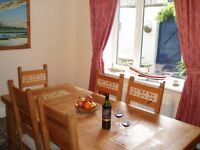 Holiday cottage. Parrot Cottage on Northumberland coast, sleeps 5. Weeks £230 to £500. Short breaks.