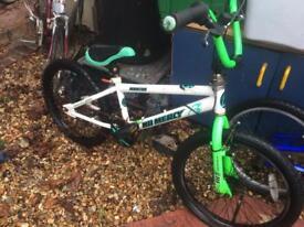 Cheap BMX been sitting a while £15