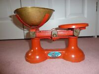 Antique Style Kitchen Weighing Scales with full set of imperial and metric weights
