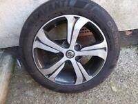 Nissan Pulsar alloy wheels