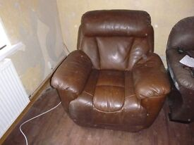 LEATHER ELECTRIC RECLINING ARM CHAIR