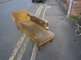 CHAISE LOUNGUE , DAY BED VINTAGE VICTORIAN SOFA FOR RENOVATION IN YEOVIL