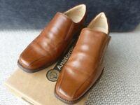 Men's smart Anatomic tan shoe, size 8 (Eur 42)