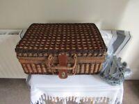 Wicker Picnic Basket Box - 4 Person - Plates Cups Cutlery