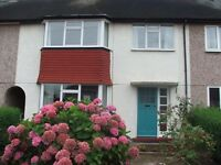 TO LET Single room in a Shared House, 33 Sturgeon Avenue, Clifton, Nott. 7 min. walk to Trent Uni