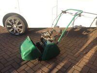 Qualcast Petrol Lawnmower Classic 35s