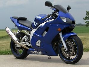 2001 yamaha  R6  Smooth, Clean, two good tires  Only $20/week